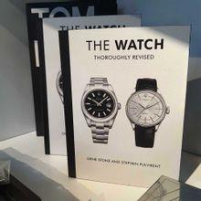 Livro Decorativo The Watch 24x18x3,5cm